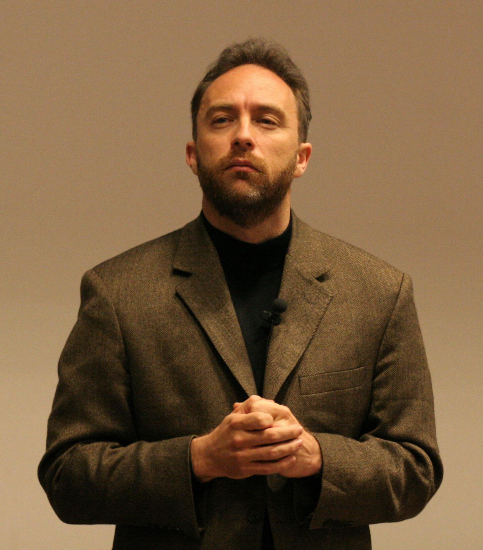 Peut-on faire confiance à Wikipédia ? - Jimbo Wales - https://fr.wikipedia.org/wiki/Jimmy_Wales#/media/Fichier:Jimbo-wales---fosdem-2005.jpg